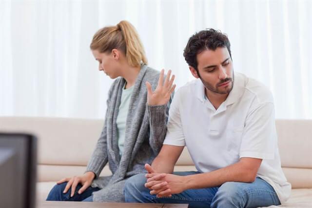 bệnh trĩ để lâu khiến mối quan hệ vợ chồng căn thẳng