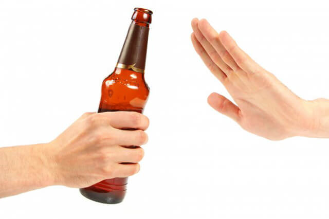 bệnh trĩ ngoại nên kiêng bia rượu