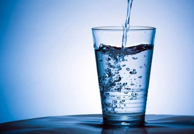 không bổ sung đru nước là nguyên nhân gây ra bệnh trĩ