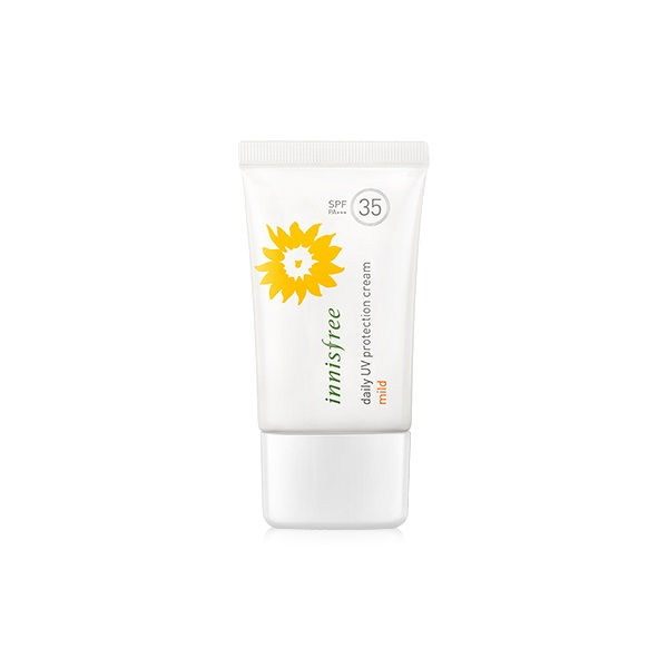1. INNISFREE DAILY UV PROTETION CREAM MILD SPF35 PA+++