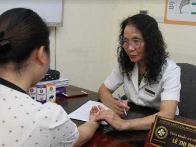 Hành trình trị ho khan của mẹ bầu mang thai 3 tháng đầu tại Trung tâm Đông y Việt Nam